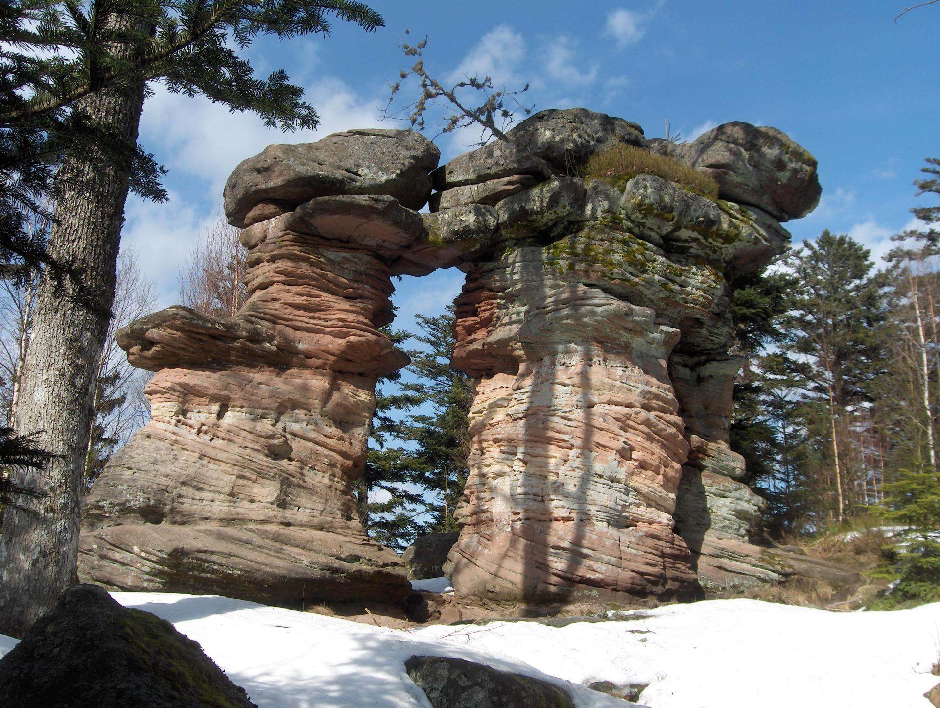 porte de pierre
